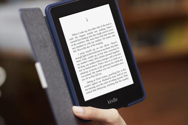 Atención, papá amante de la lectura, ¡es momento de modernizarse con una Kndle!